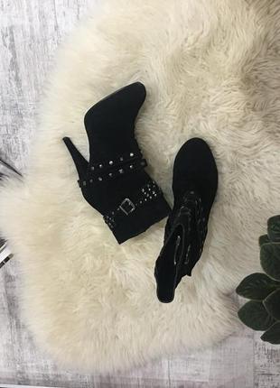 Классные замшевые ботинки,полусапоги 🖤