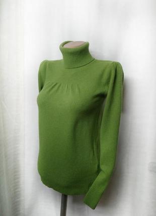 Мягкий теплый шерстяной свитер