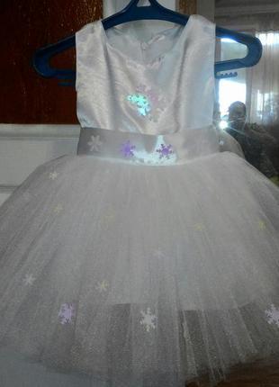 Платье праздничное нарядное наряд снежинки на утренник