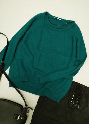 Теплый свитер с ангорой и шерстью красивого зеленого изумрудного цвета