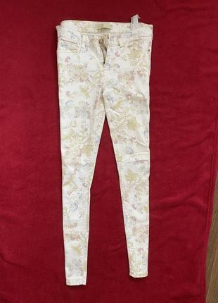 Брюки джинсы принт цветочный цветы zara