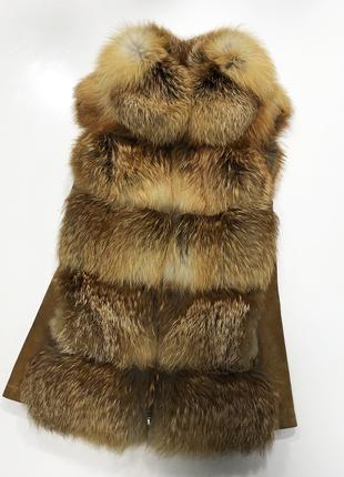 Стильная натуральная жилетка из лисьего меха