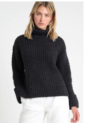 Вязанный свитер из альпаки