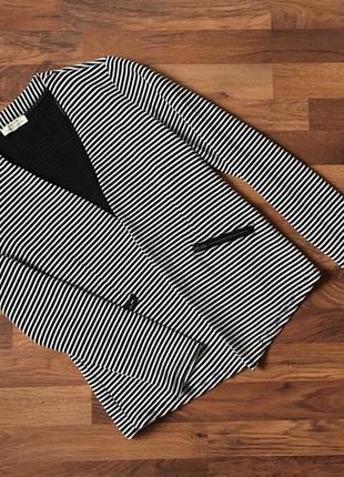 Стильный фактурный пиджак в полоску цвет белый и черный размер  xl