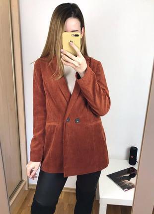 Вельветовый двубортный пиджак