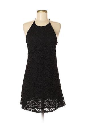 Черное платье из плотного кружева от zara
