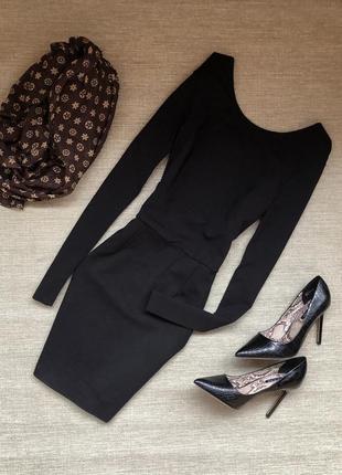 Элегантное платье с вырезом на спинке (италия)