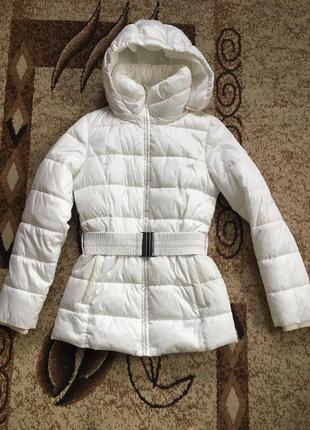 Зимова біла куртка