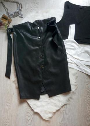 Черная длинная миди кожаная юбка с высокой талией поясом кнопками спереди карандаш