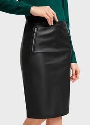 Плотная черная кожаная кожзам юбка миди на байке с молниями длинная по колено карандаш