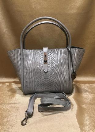 Женская кожаная сумка серого цвета