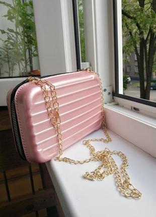 Стильная сумка  /сумочка / клач /розовая / прочный материал / фактурная / цепочка
