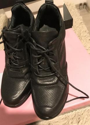 Кожаные ботинки на танкетке, платформе фирмы nadi bella, 36 размер