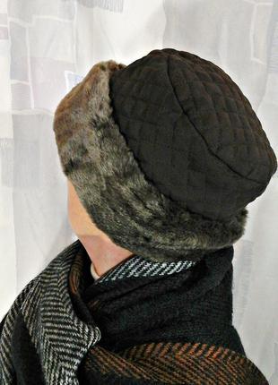 Теплая шапочка, шляпка с меховым отворотом
