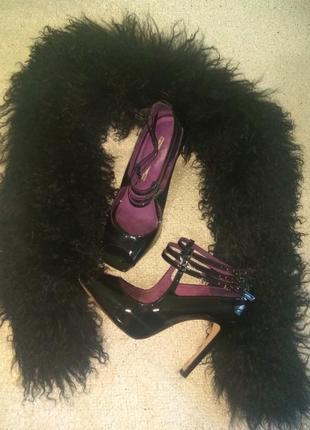 Кожаные лаковые туфли босоножки
