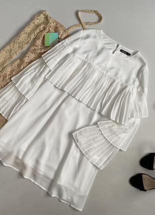 Невероятное платье с воланами плиссе boohoo