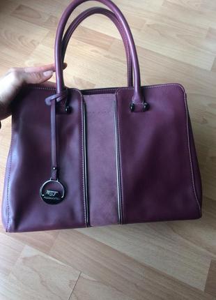 Кожаная большая стильная женская сумка david jones цвета марсала
