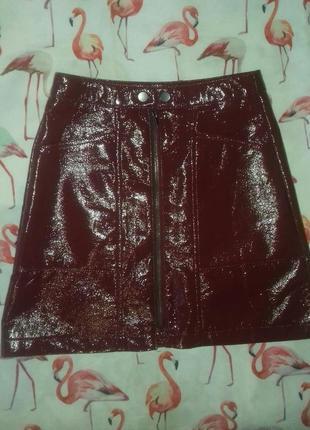 Лаковая крутая юбка