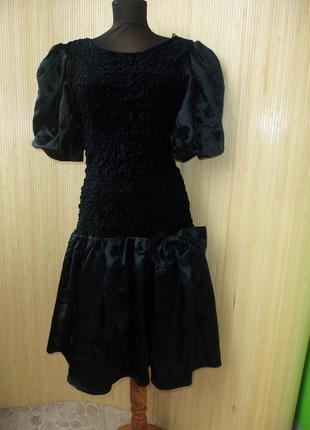 Немецкое чёрное платье с открытой спиной и пышной юбкой  chou chou
