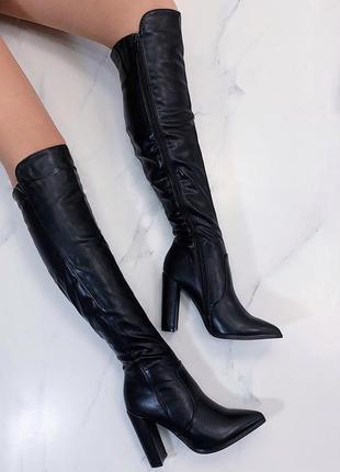 Новые шикарные женские зимние черные сапоги ботфорты на каблуке