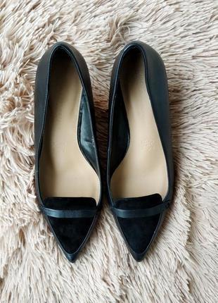Кожаные черные туфли на удобном каблуке