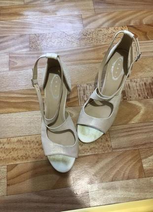 Босоножки блестящие распродажа обувь по 50грн