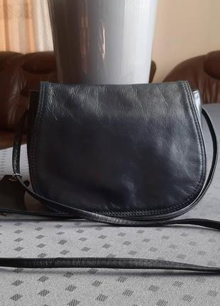 Кожаная темно синяя сумка кроссбоди фирмы collection debenhams
