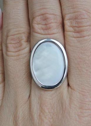 Серебряное кольцо жанна перламутр р.17,5