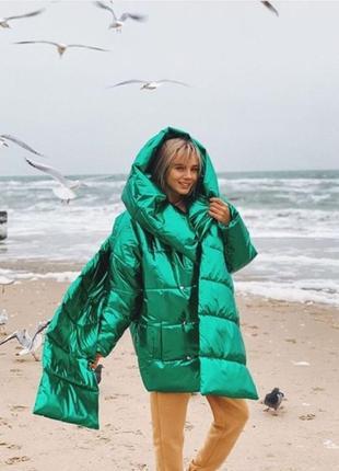 Зимняя куртка очень теплая.
