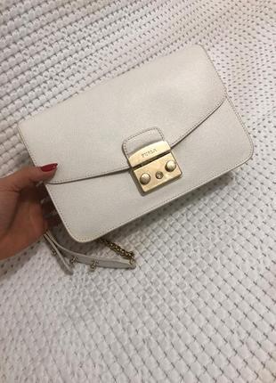 Оригинальная белая сумочка furla