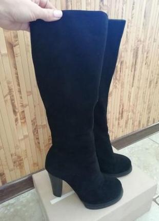 Зимові чоботи на вузьку голінь з натурального замшу