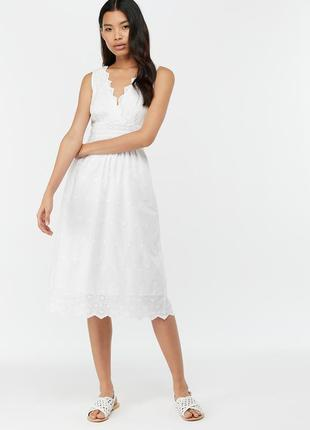 Нежное платье из прошвы