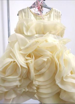 """Детское нарядное платье """"роза""""."""
