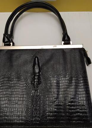 Новая вместительная сумка из лаковой эко-кожи под крокодила