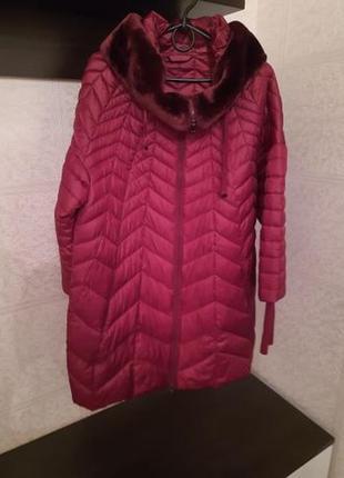 Продам пальто осень-зима, стеганое с капюшоном