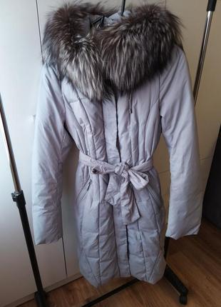 Зимний пуховик с натуральным мехом чернобурки
