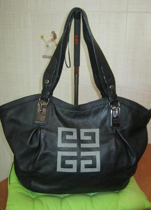 Givenchy.франция. нат. кожа.оригинал.номерная. огромная сумка шоппер!д