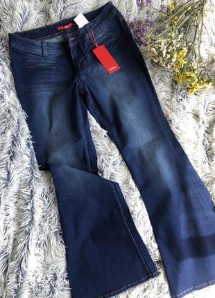 Новые джинсы с биркой s.oliver с клешем от колена