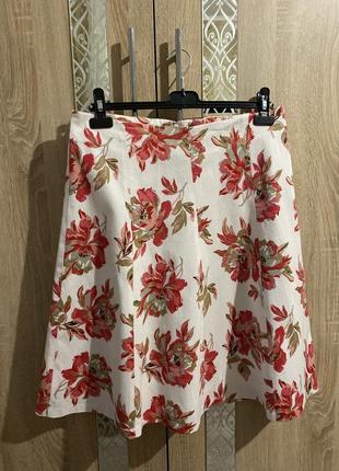 Актуальная миди юбка в цветочный принт