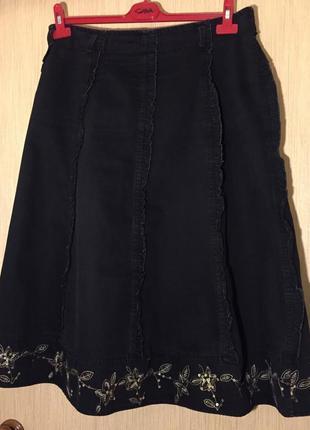 Джинсовая юбка с вышивкой 48-50 размера