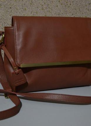 Hotter модная кожаная сумка на длинном ремне.