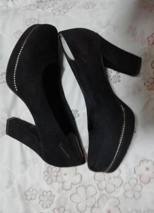 Туфли стильные женские tamaris 37 размер стелька 24см