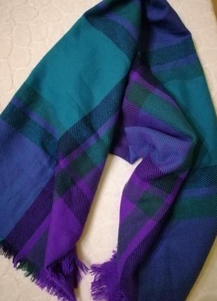 Огромный шарф.