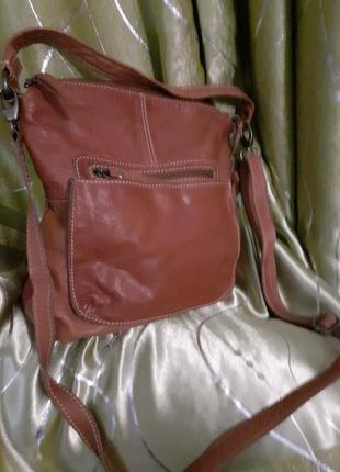 Классная большая вместительная практичная кожаная сумка кроссбоди англия white stuff