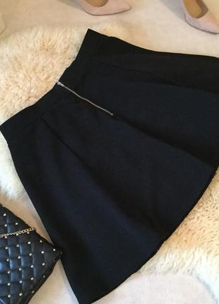 Превосходная из плотного стрейча юбка с замочком на попе ... ммм ❤️💄💋