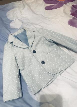 Праздничный пиджак на мальчика