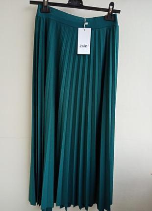 Спідниця плісерована темноізумрудного кольору. італія