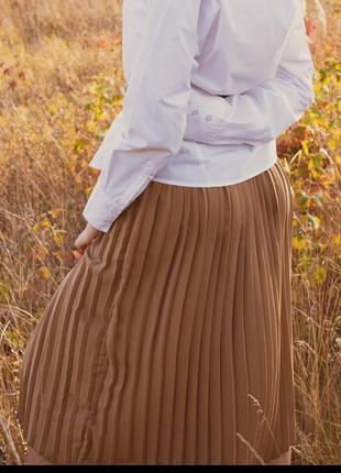 Юбка миди плиссе коричневая бежевая на резинке