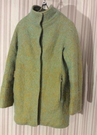 Утепленное мега стильное пальто букле eleganza