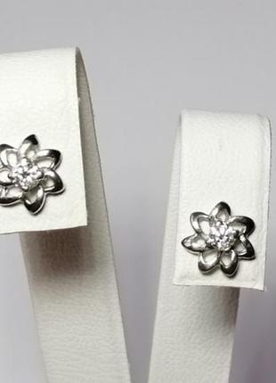 Золотые серьги гвоздики с бриллиантами 0,16 карат белое золото пусеты2 фото